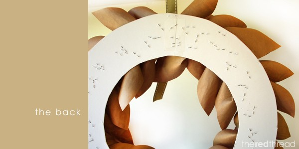 make a paper leaf Christmas wreath - the red thread blog
