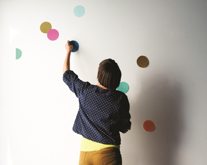 How to make a giant confetti wall by Beci Orpin via we-are-scout.com