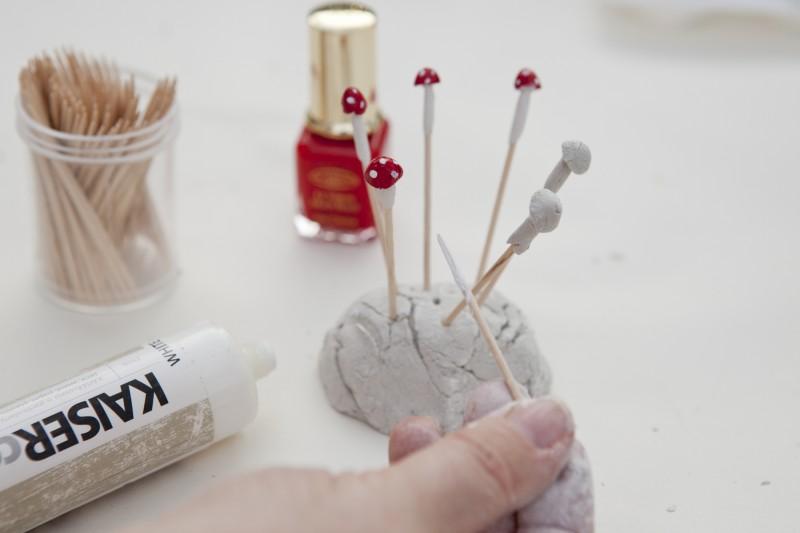 How to Make a Hobbiton Miniature Garden via we-are-scout.com