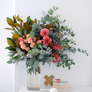 Arrange flowers like a pro