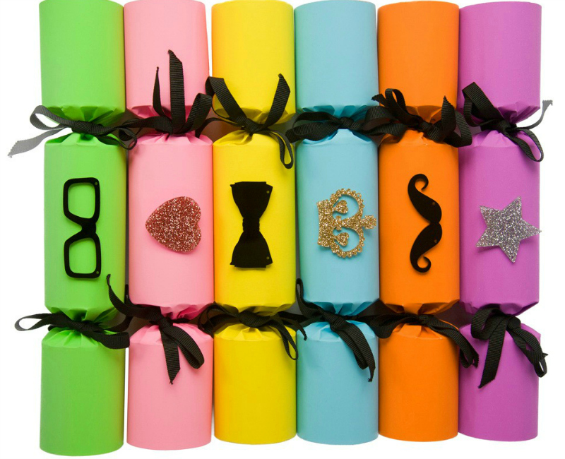Tatty Devine Christmas crackers via we-are-scout.com