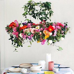 How to make a stunning flower chandelier