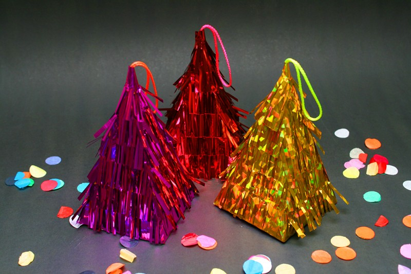 Crafttuts+ Christmas Pinatas Tutorial via we-are-scout.com