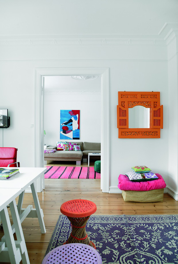 Bolig Magazine colourful home via the red thread
