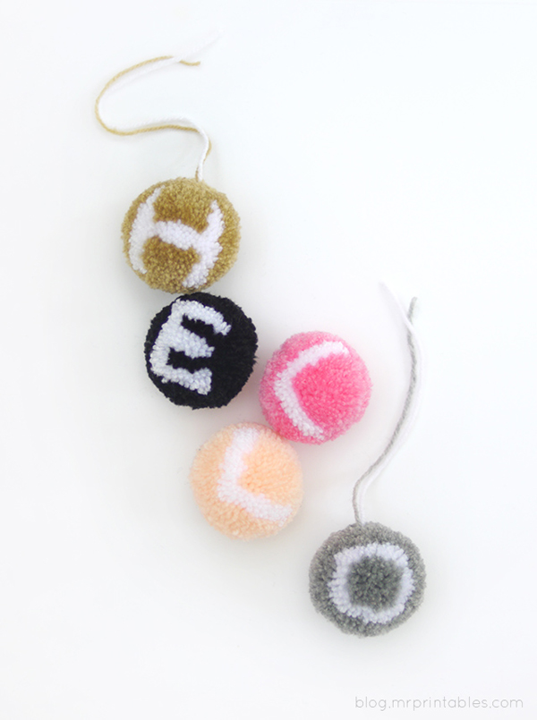 alphabet-pompoms-tutorial-hello