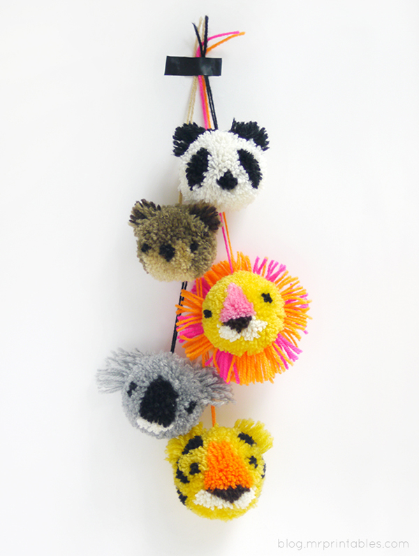 diy-animal-pompoms-tutorial