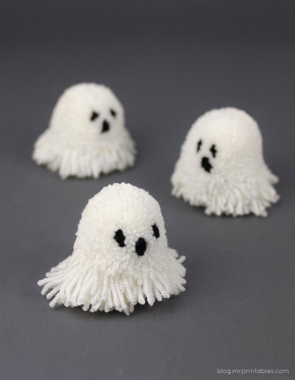 pompom-ghosts