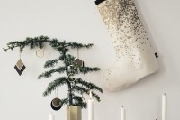 Wee Trend: Gold Christmas Theme