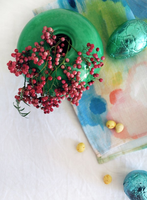 How to set a beautiful table for Easter, via We-Are-Scout.com.