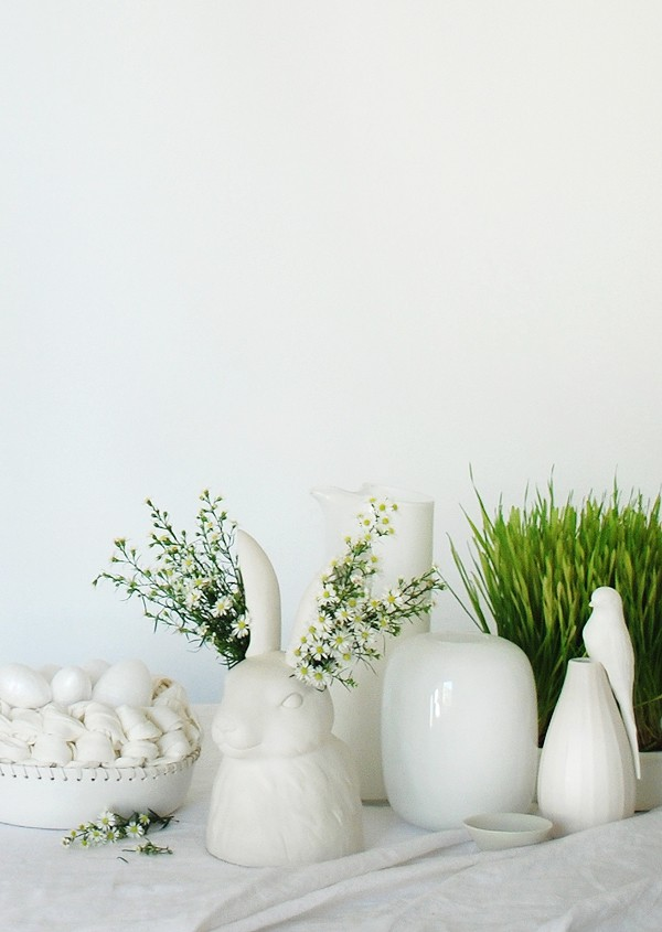How to decorate your table for Easter: 3 Stunning Ideas, via We-Are-Scout.com.