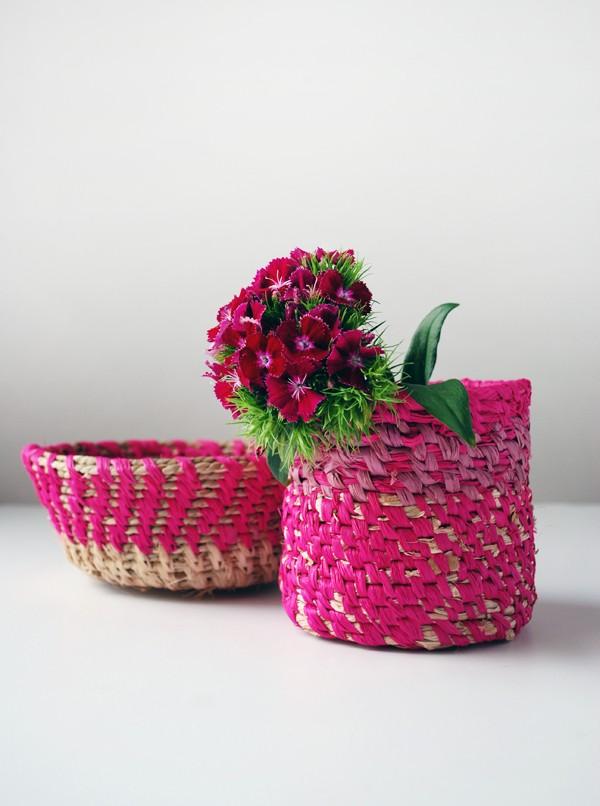 TUTORIAL DIY How to make raffia coiled baskets via we-are-scout.com