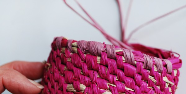 raffia-woven-baskets-steps2a-via-we-are-scout