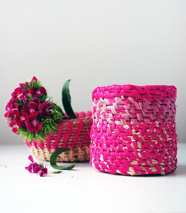 DIY TUTORIAL Cómo hacer cestas de rafia en espiral a través de we-are-scout.com