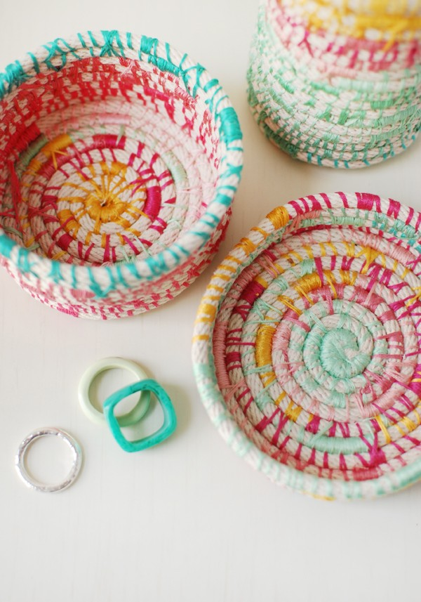 How to Make Coiled Vessels by LIsa Tilse for Mollie Makes.