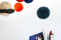 TUTORIAL: Make a pom pom solar system mobile (& deal with the mess)