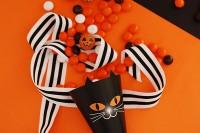 Free printable: DIY Black Cat Treat Cones for Halloween