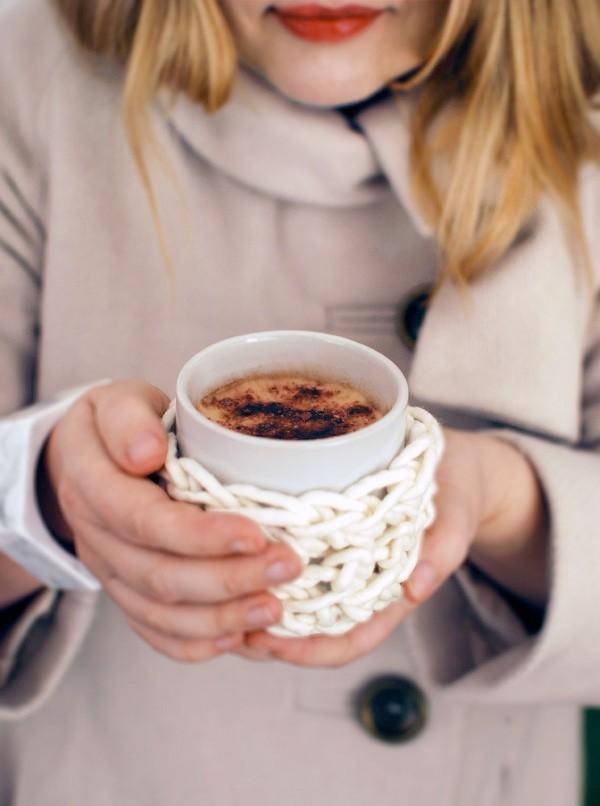 crochet a cuddle mug cosy