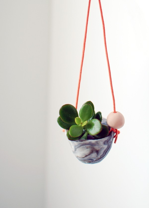 mini marbled hanging planters