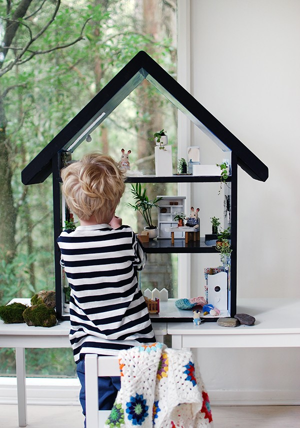 How to paint a doll house.  Scandi summer house style doll house makeover. Photos by Lisa Tilse for We Are Scout.