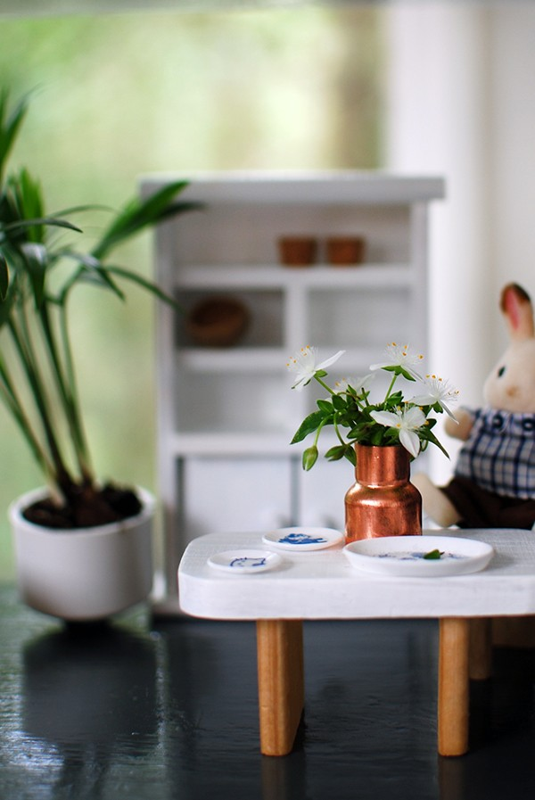 Live miniature plants feature in our Scandi summer house-style doll house makeover. Photos by Lisa Tilse for We Are Scout.