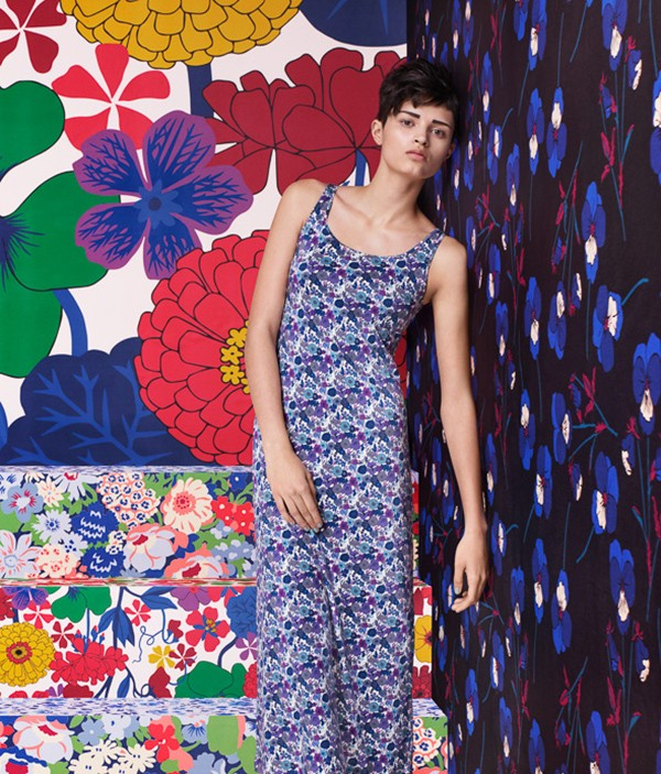 Liberty for Uniqlo. Heritage florals from the Liberty archives with Uniqlo's forward-thinking reactive design