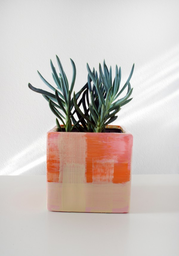 DIY - give old thrifted pots new life with paint