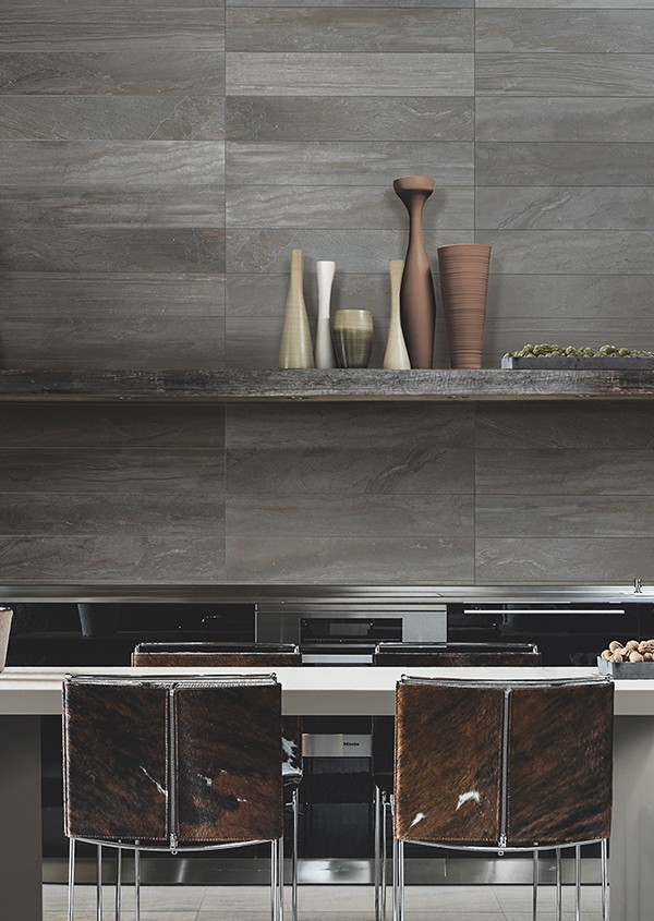 Porcelain tiles with the look of wood