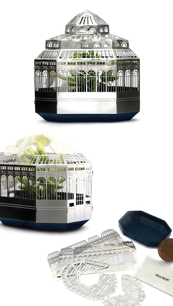 Plantini mini greenhouse