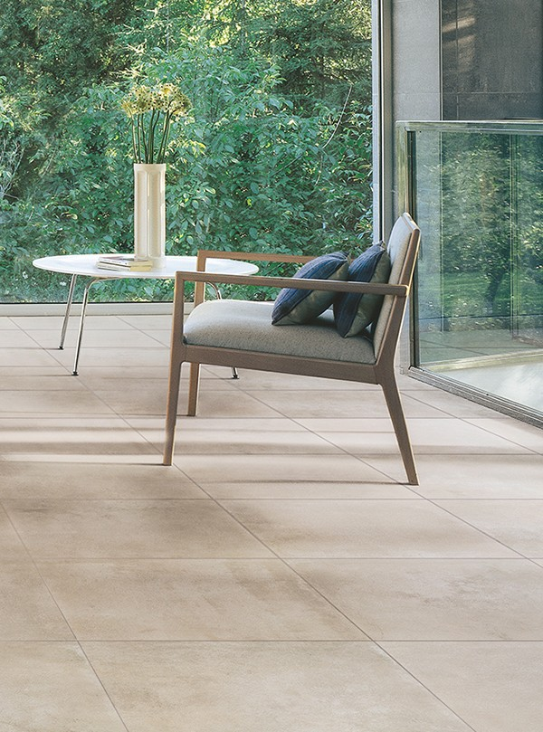 Porcelain tiles with the look of concrete