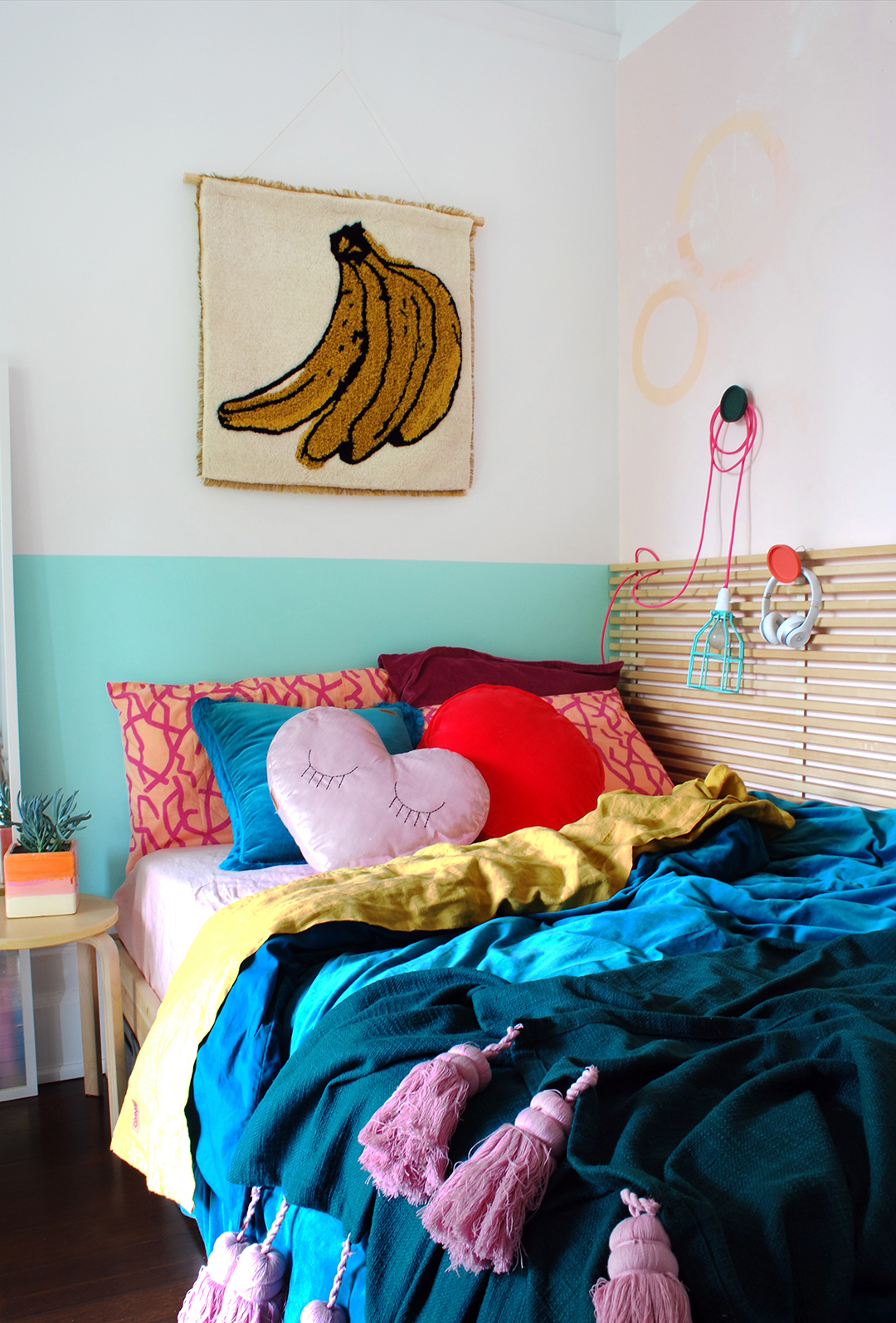 tiny bedroom makeover for a teen girl
