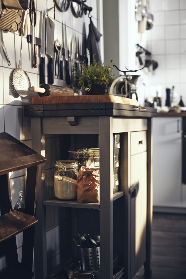 moveable bench - ideas for small kitchens
