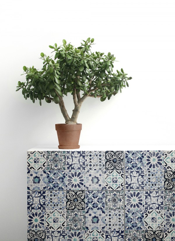 Quercus removable wallpaper tiles - sideboard
