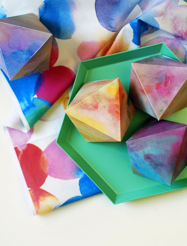 Watercolour paper gems free printables - DIY decorations for any time of the year..