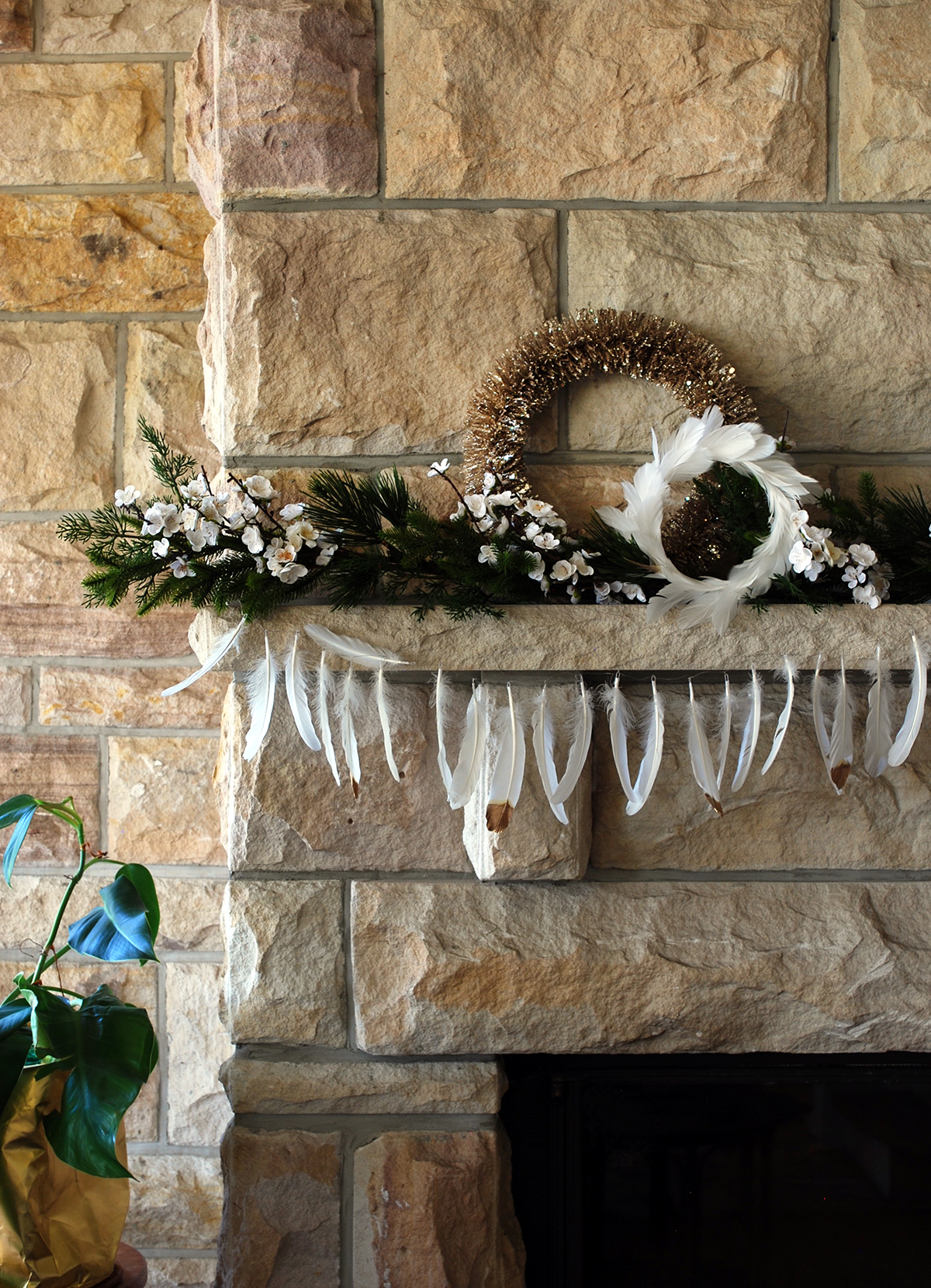 Simple modern mantle decoration