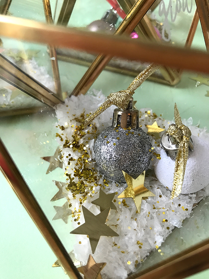 Terrariums aren't just for plants - make some super cute mini Christmas terrariums