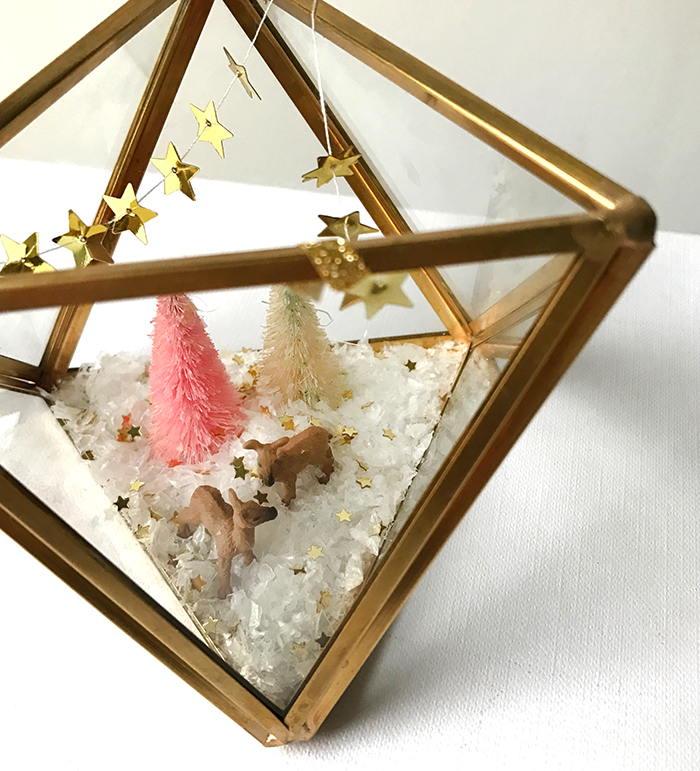 Adorable Christmas decoration made in a mini terrarium
