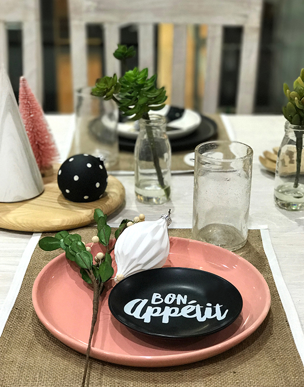 How to set a modern Christmas table with unexpected colours