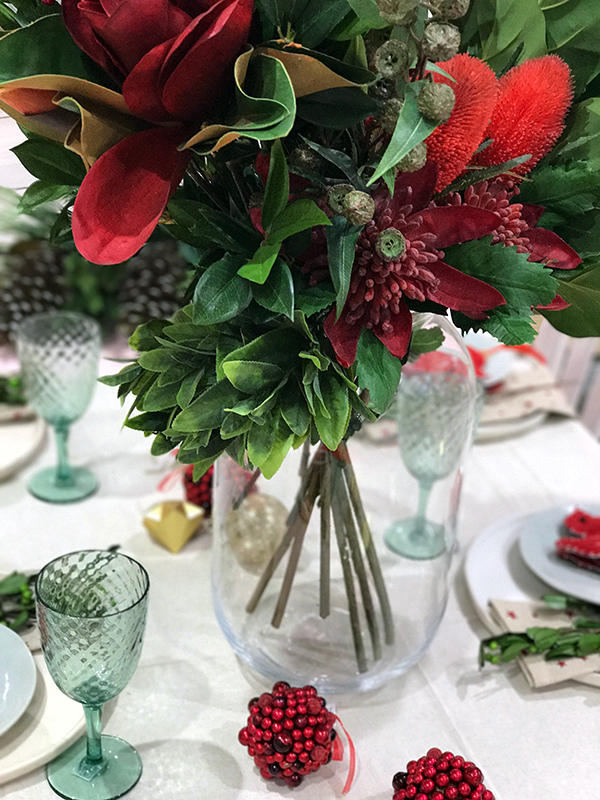 How to set a Christmas table - a modern spin on traditional colours