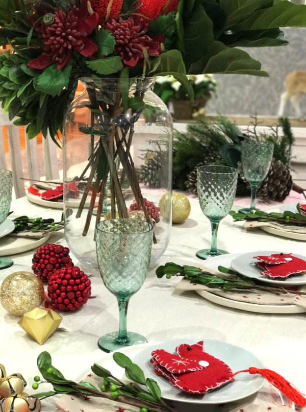 How to set a Christmas table - a fresh spin on traditional colours