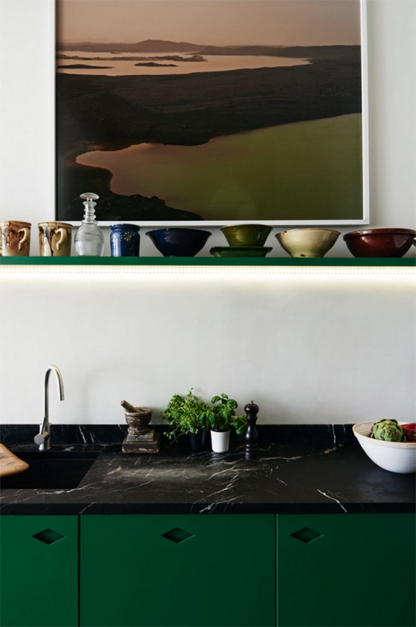 Green colour trend. Gorgeous green kitchen cabinets. Photo: Jonas Ingerstedt for Elle Deco Sweden