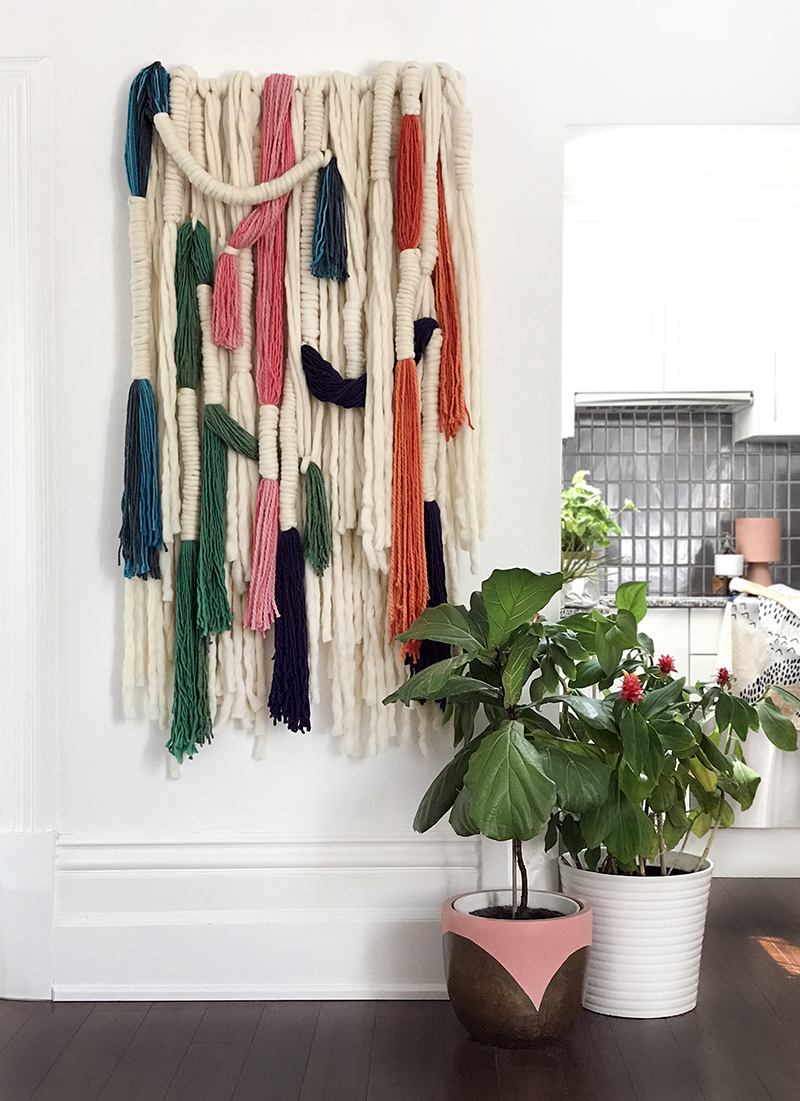 Amazing wool wall hanging DIY