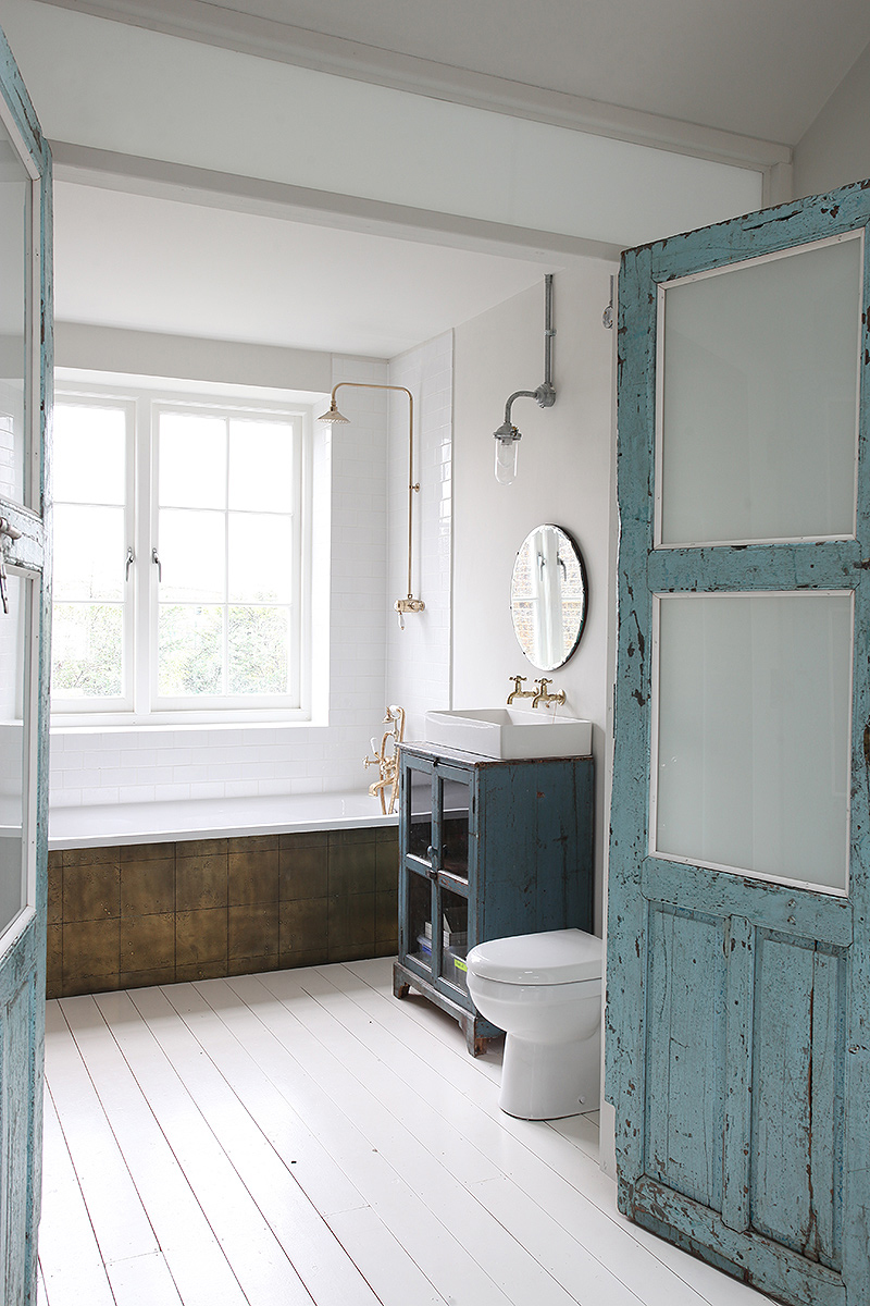 modern-bohemian-home-bathroom