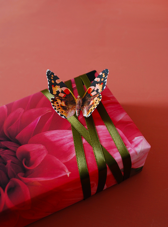 Free printable gift wrap and printable watercolour butterflies