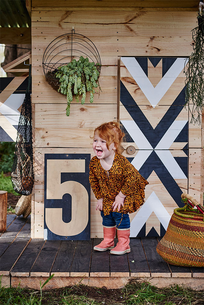 How adorable is this! Best cubby house ever