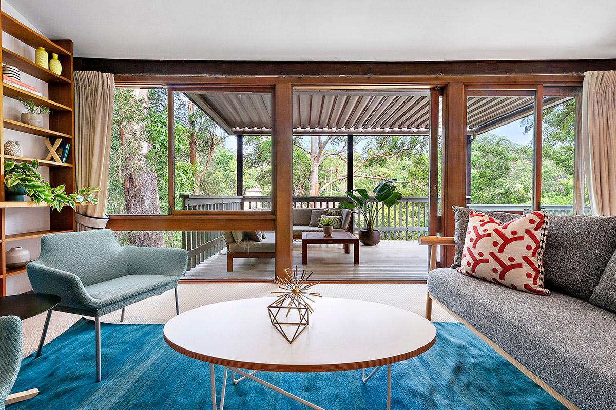 A fabulous mid century Pettit + Sevitt Sydney home